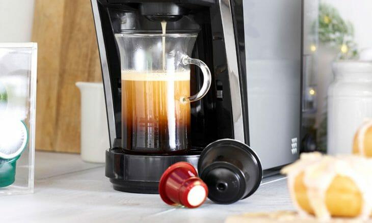 Приготовление молочно-кофейных напитков в капсульной кофемашине