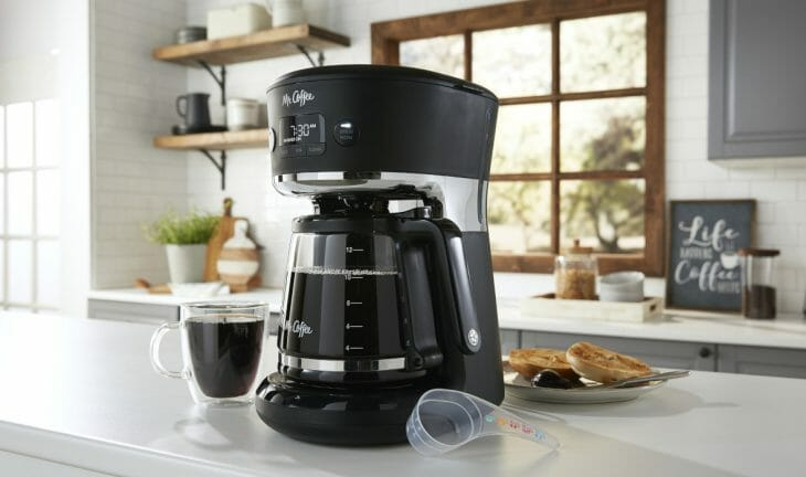 Капельная кофеварка на частной кухне