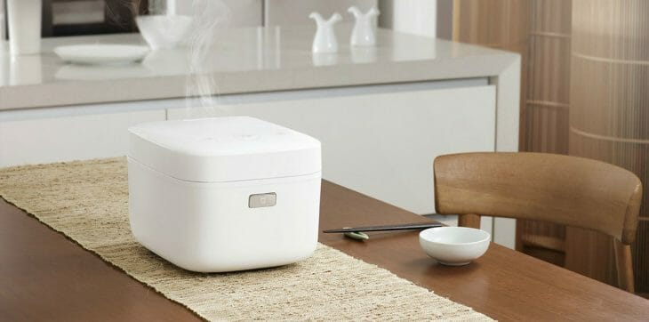 Компактная мультиварка на кухне