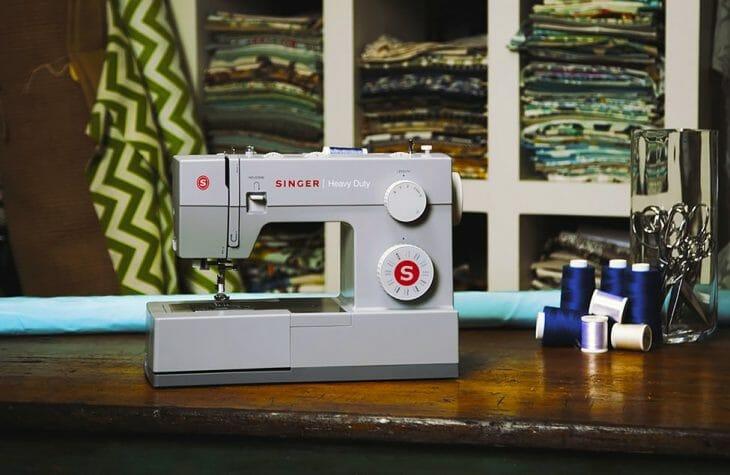 Швейная машинка с электромеханическим управлением