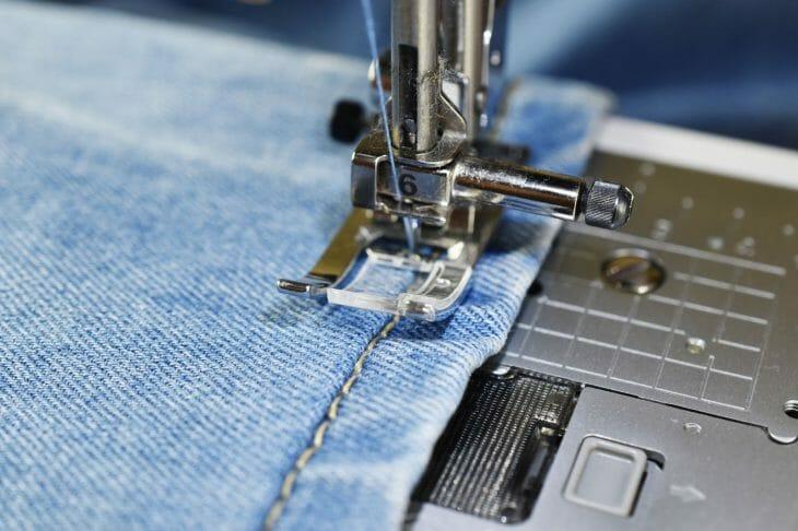 Прижимная лапка швейной машинки
