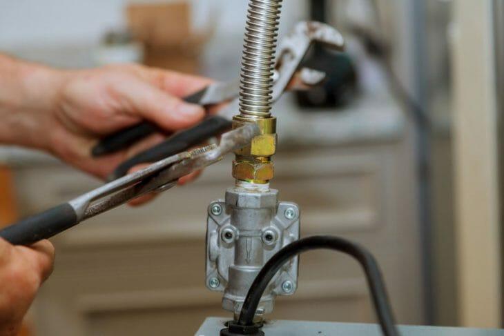 Подключение газового шланга к духовому шкафу