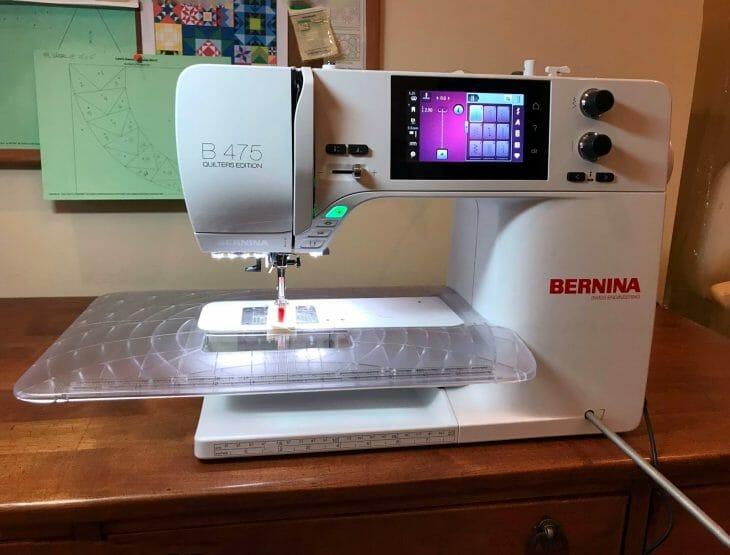 Швейная машинка с компьютерным управлением
