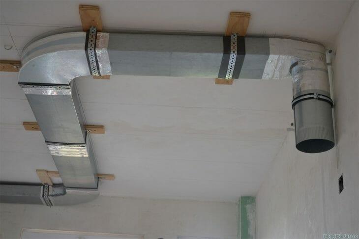 Участок воздуховода от кухонной вытяжки