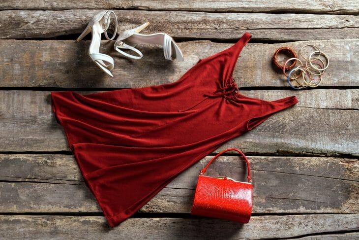 Красное платье вид сверху