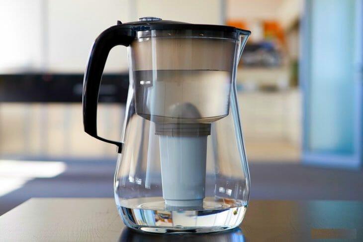 Очистка воды в фильтре кувшине
