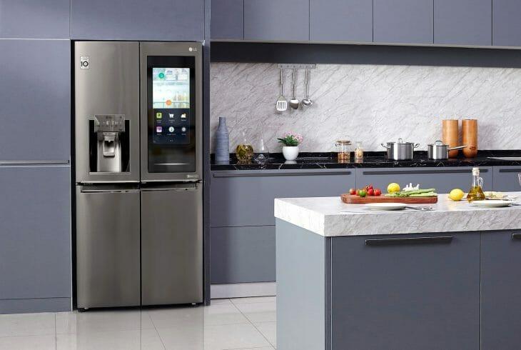 Хороший холодильник LG с французской дверью