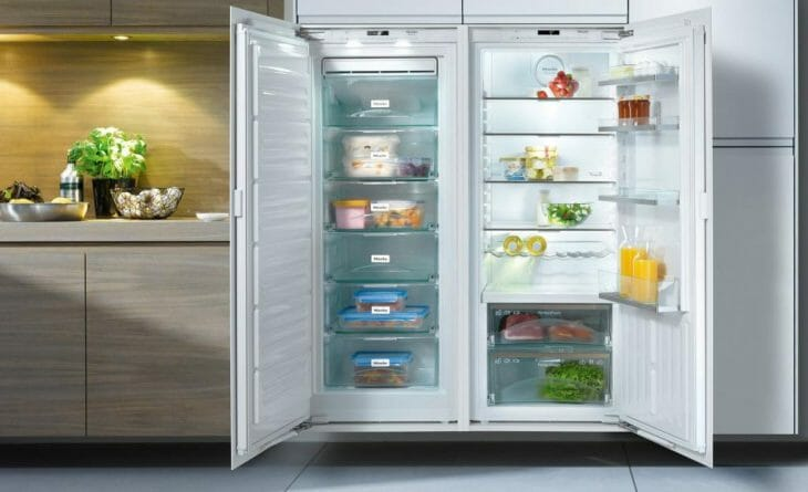 Большой холодильник для загородного дома