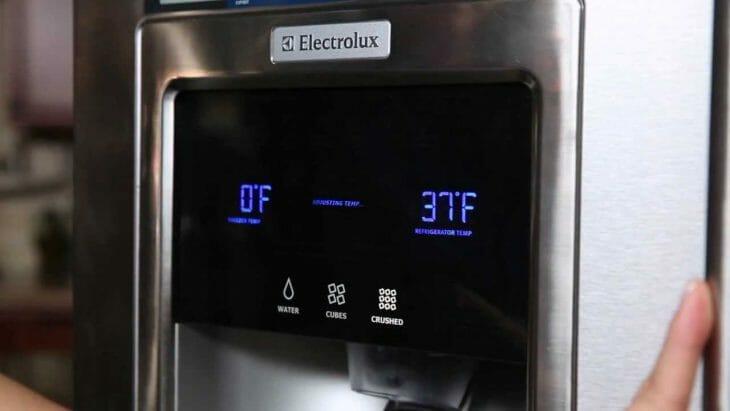 Электронная панель управления холодильника Electrolux