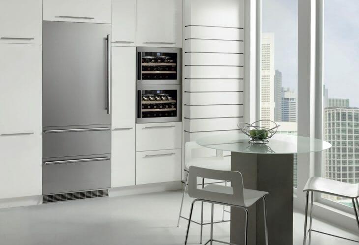 Встроенный холодильник с инверторным компрессором