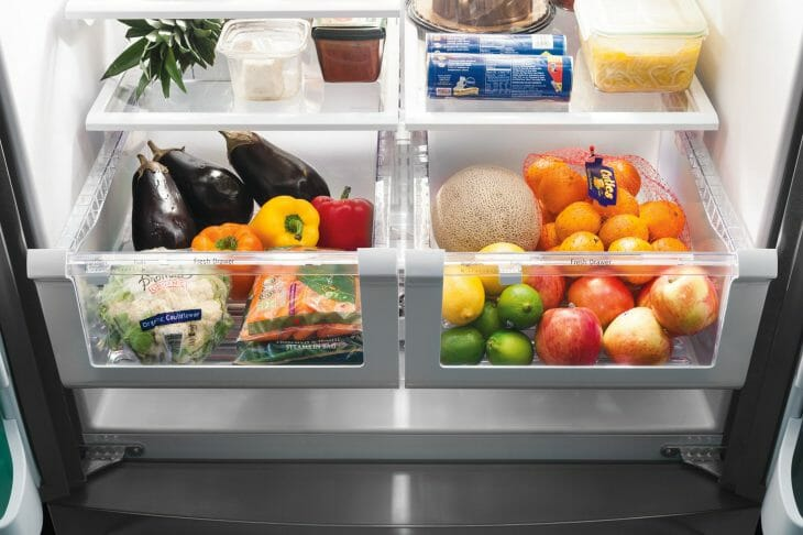 Нижняя полка холодильника Аристон