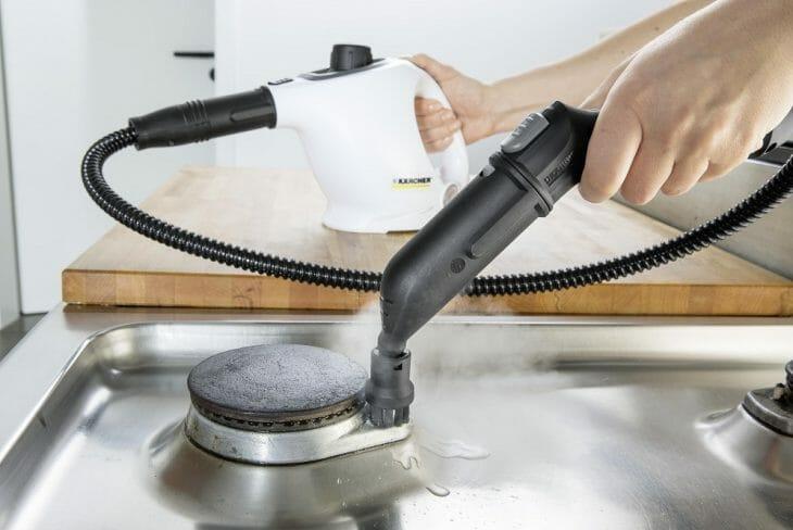 Использование пароочистителя для чистки конфорок