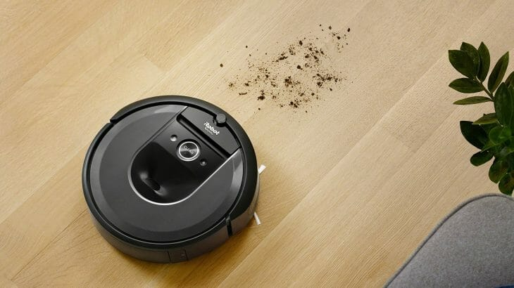 Компактный робот-пылесос в точечной уборке
