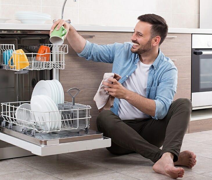 Подготовка посуды для мытья в машинке
