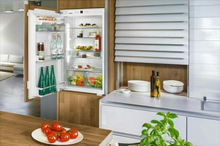 Встраиваемый холодильник Смег