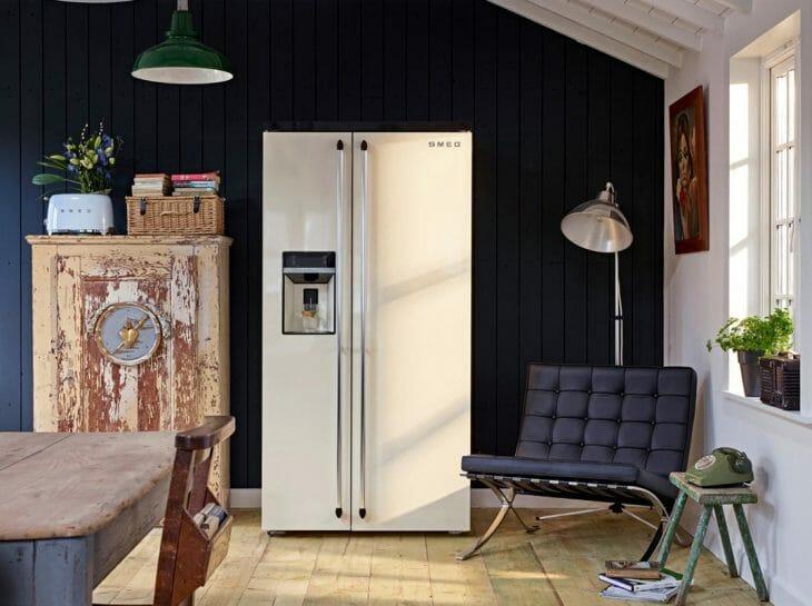 Холодильник Smeg с экраном
