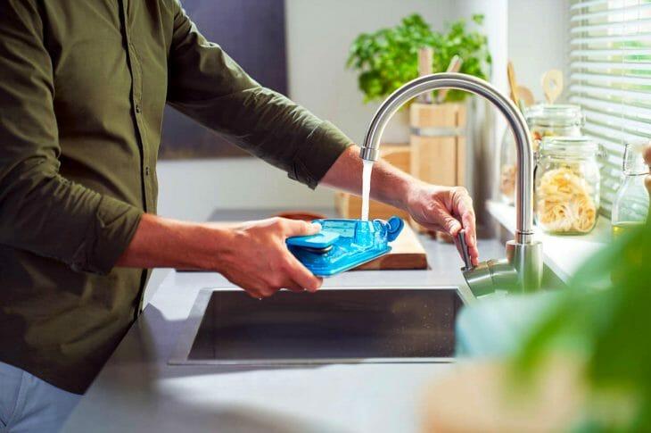 Контейнер для воды в пылесосе-швабре