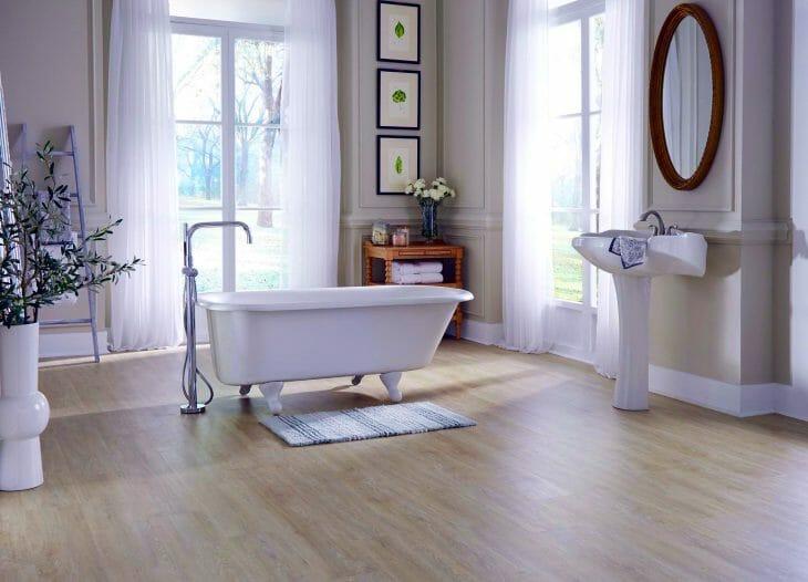 ПВХ-ламинат в ванной