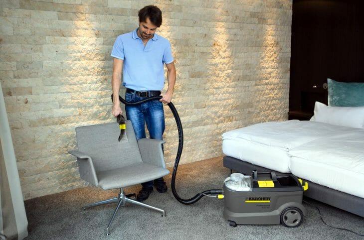 Пылесос Karcher для влажной уборки с аквафильтром