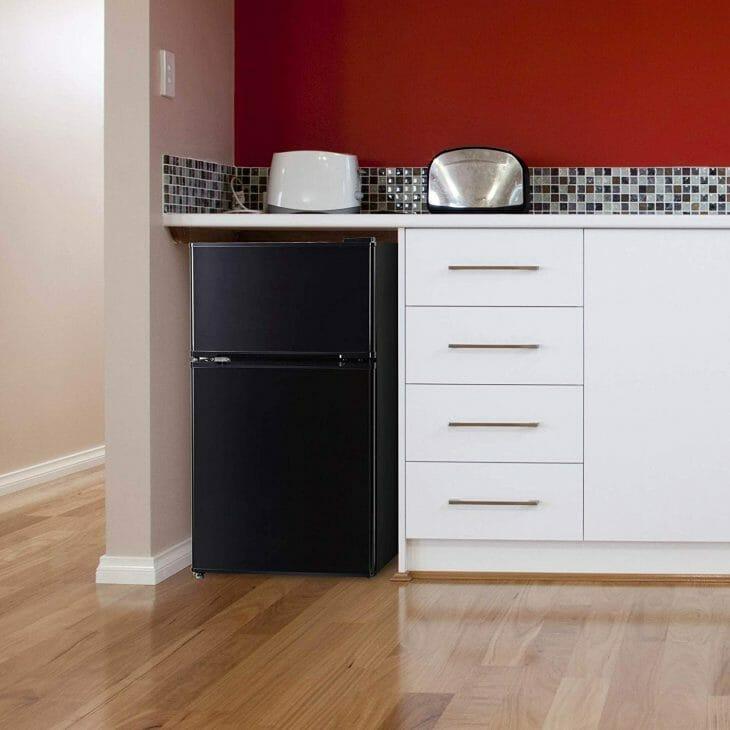Стильный мини холодильник