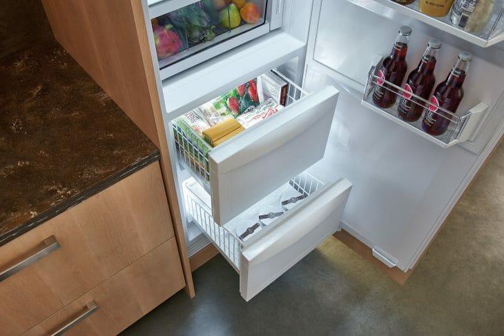 Инверторный холодильник с No frost