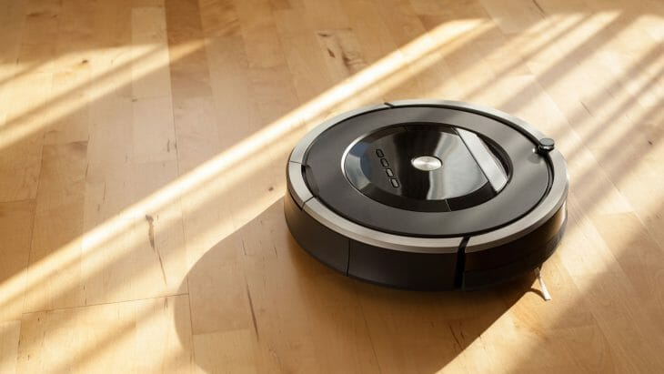 Простой робот-пылесос iRobot