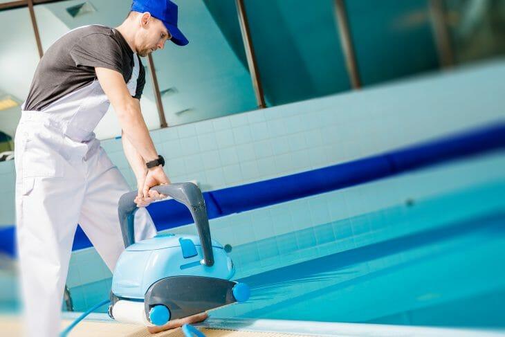 Производительный робот пылесос для бассейнов