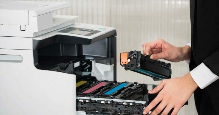 Картриджи в цветном лазерном принтере