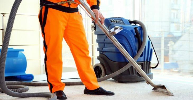 Профессиональный пылесос для влажной уборки
