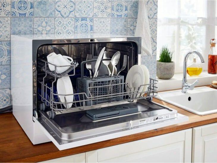 Простая настольная посудомойка