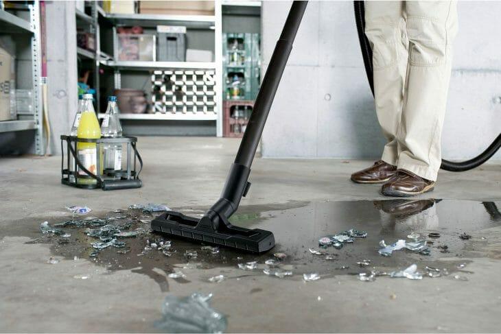 Пылесос с аквафильтром для влажной уборки