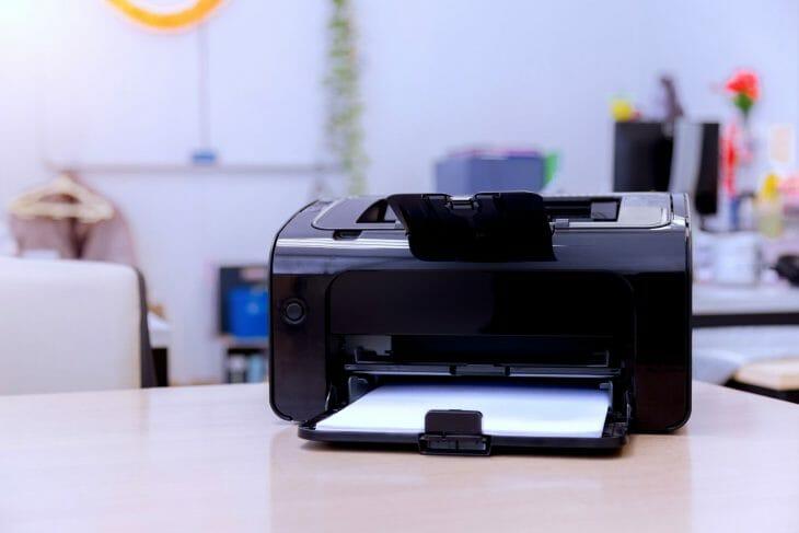 Черный принтер