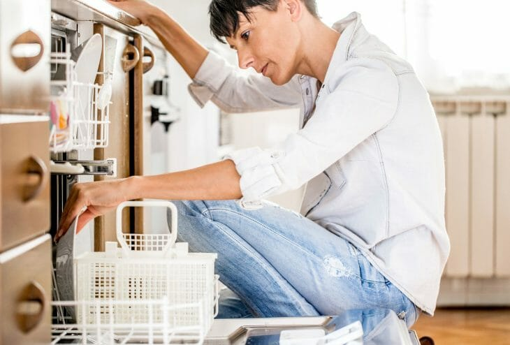 Использование посудомойки с автоматическим режимом работы