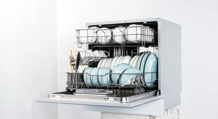 Отдельно стоящая настольная посудомойка
