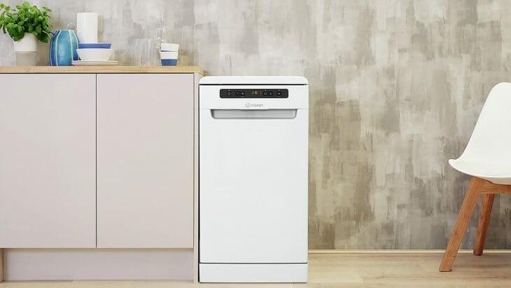 Отдельно стоящая посудомойка с защитой от протечек