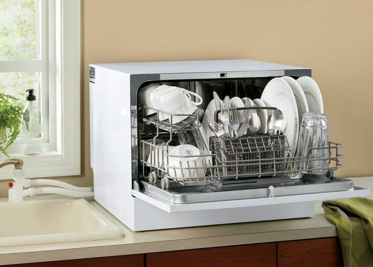 Полная загрузка компактной посудомойки