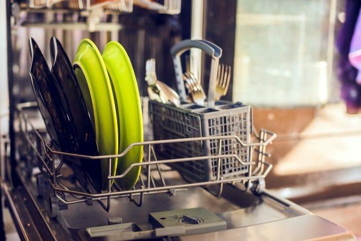 Половинная загрузка посудомоечной машины