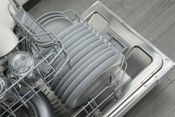 Правильная мойка посуды в посудомойке