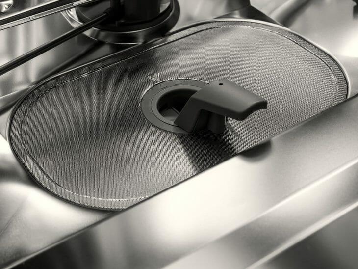 Система фильтров посудомойки
