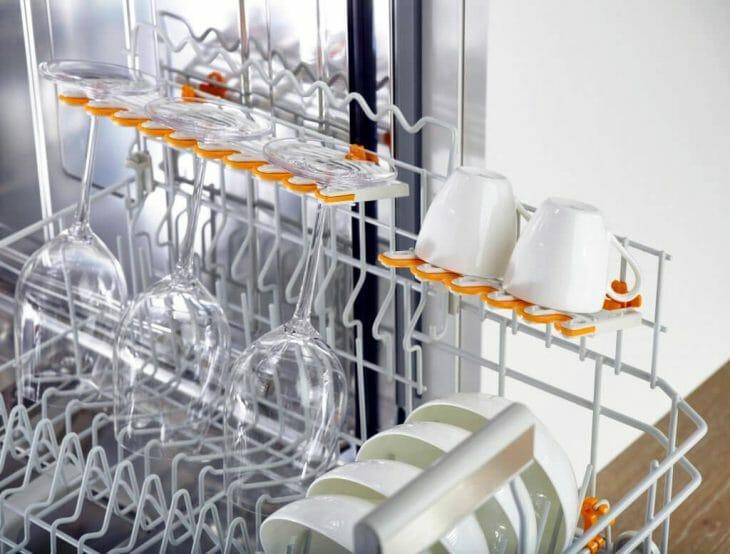 Сушка посуды на верхней корзине посудомойки