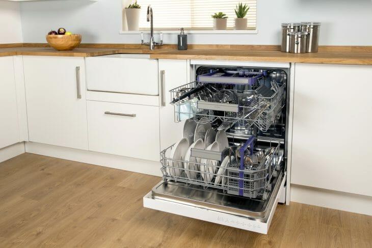 Встраиваемая полноразмерная посудомоечная машина Beko