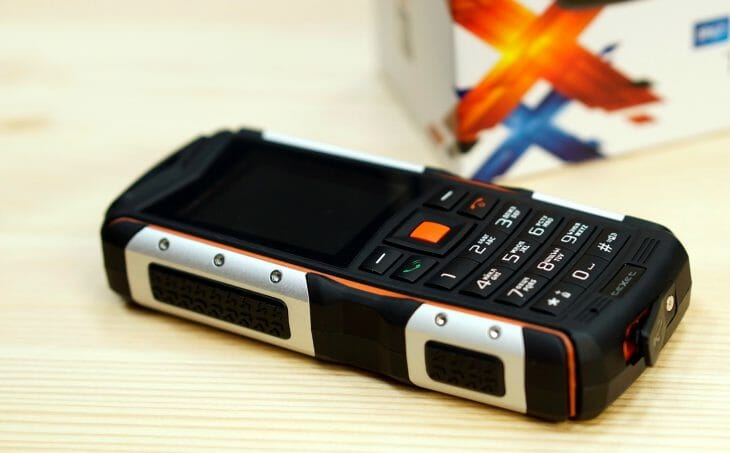 Корпус ударопрочного кнопочного телефона