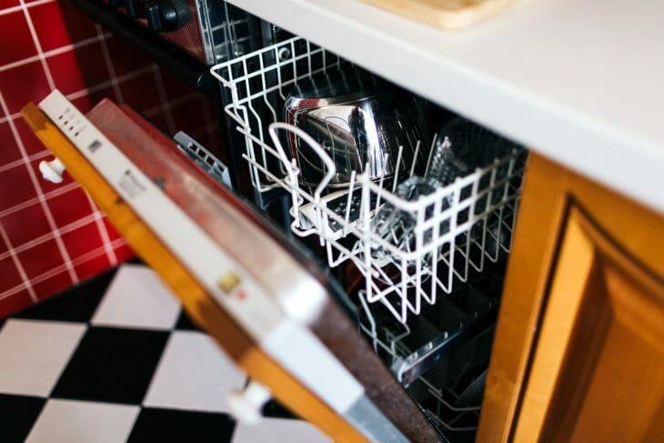 Панель индикаторов посудомоечной машины