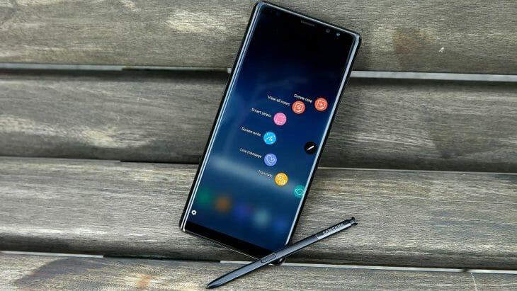 Телефон Samsung с стилусом
