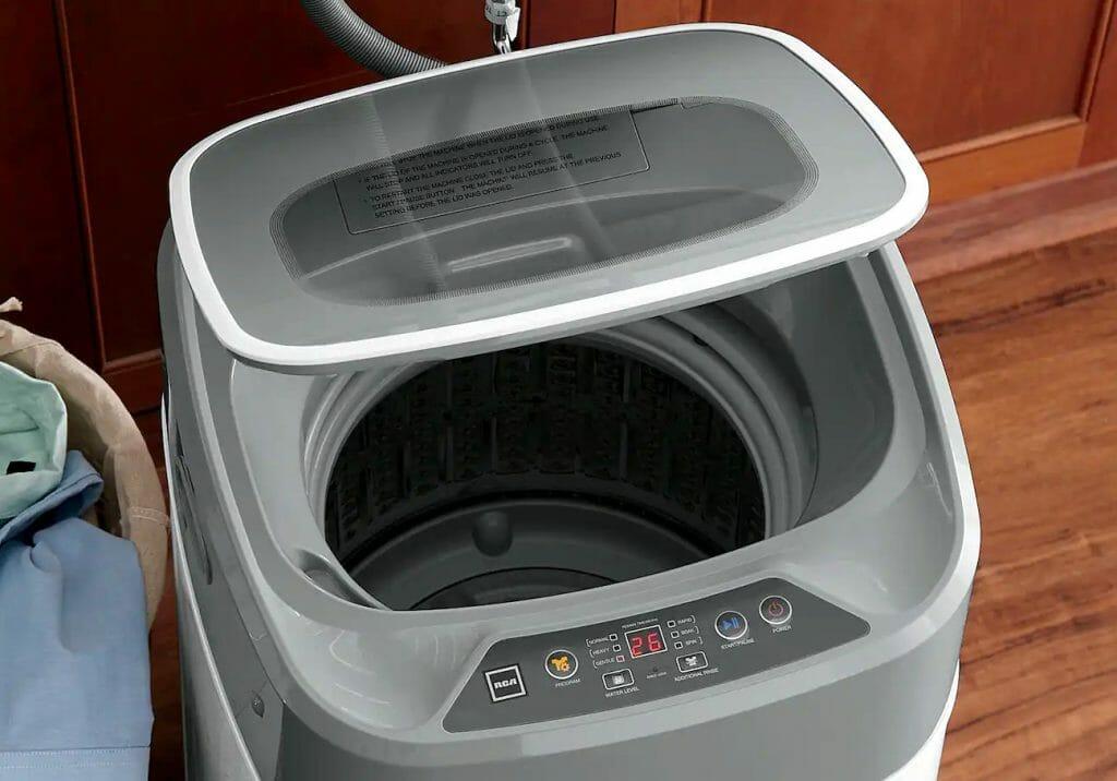 Энергоэффективная стиральная машина с вертикальной загрузкой