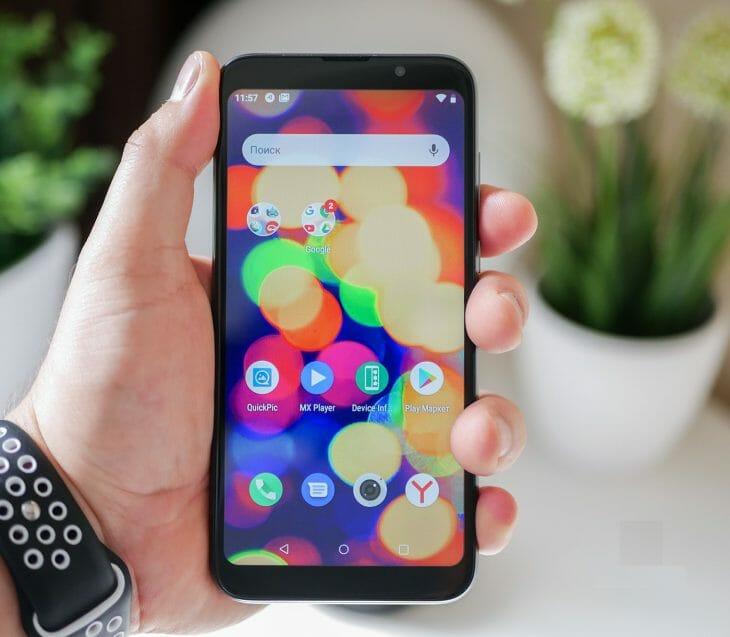 Недорогой и компактный смартфон