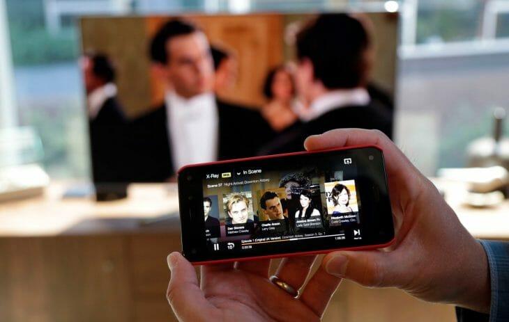 Просмотр фильма при помощи смартфона