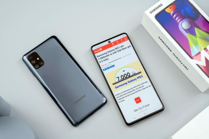 Смартфон до 40000 рублей с большим аккумулятором