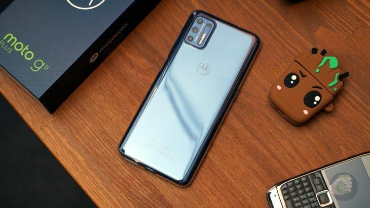Смартфон с бесконтактной оплатой и основной камерой на 64 мегапикселя