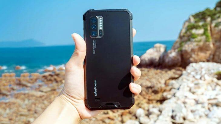 Защищенный смартфон с хорошей камерой